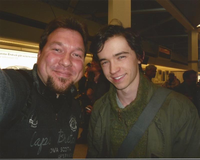 Liam Aiken With Roland Brödner Fan Selfies With Celebs