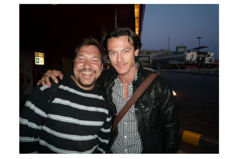 Luke Evans Photo with RACC Autograph Collector RB-Autogramme Berlin