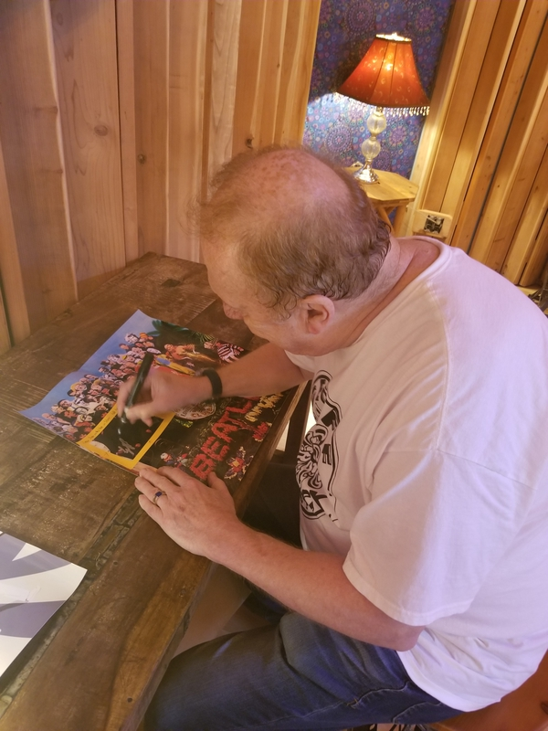 Geoff Emerick Signing Autograph for RACC Autograph Collector RACC Signings