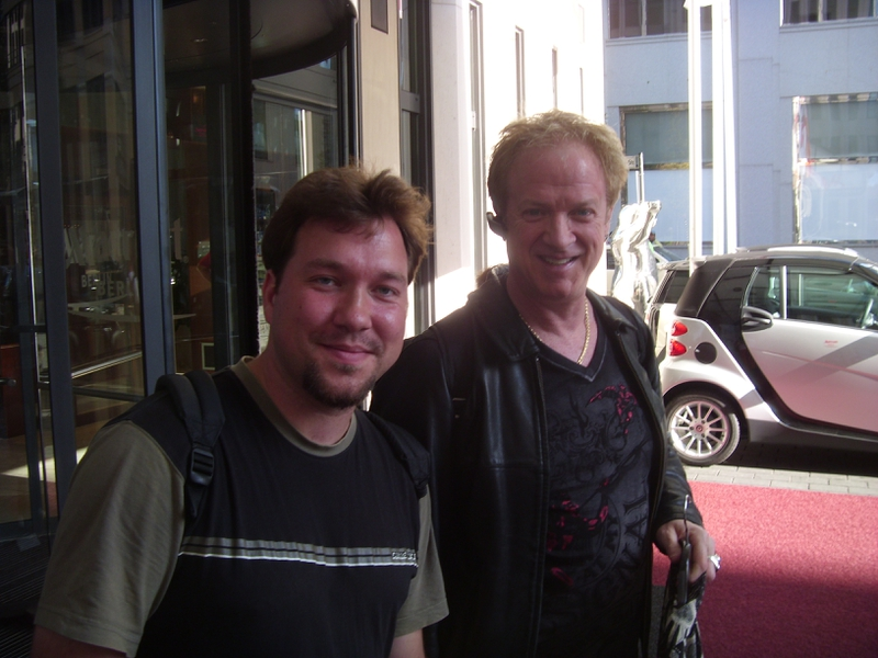 Lee Loughnane Photo with RACC Autograph Collector RB-Autogramme Berlin
