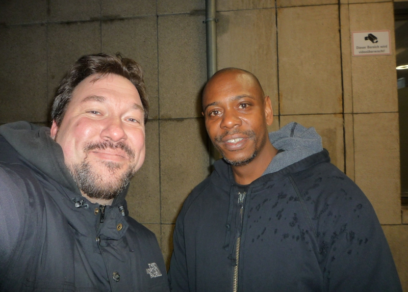 Dave Chappelle Photo with RACC Autograph Collector RB-Autogramme Berlin