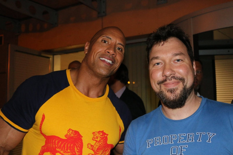 Dwayne Johnson Photo with RACC Autograph Collector RB-Autogramme Berlin