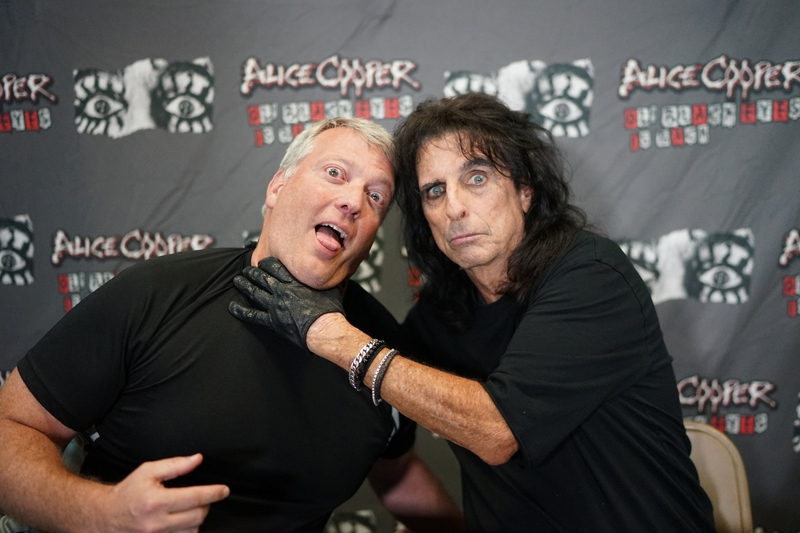Alice Cooper Photo with RACC Autograph Collector Greg Drugan