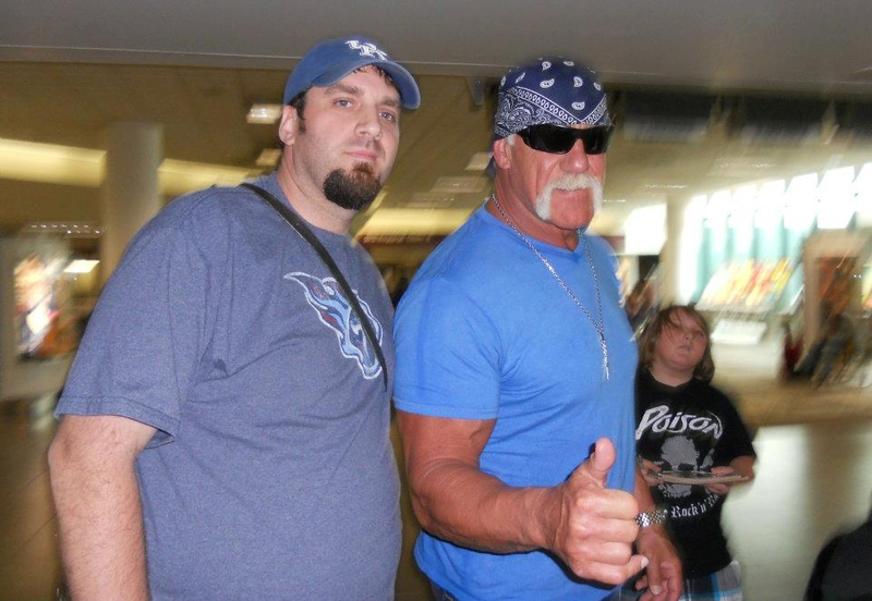 Hulk Hogan Photo with Authentic Autograph Dealer Jason Shepherd