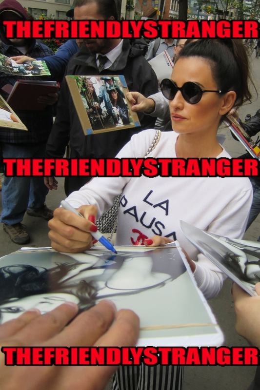 Penelope Cruz Signing Autograph for RACC Autograph Collector THEFRIENDLYSTRANGER