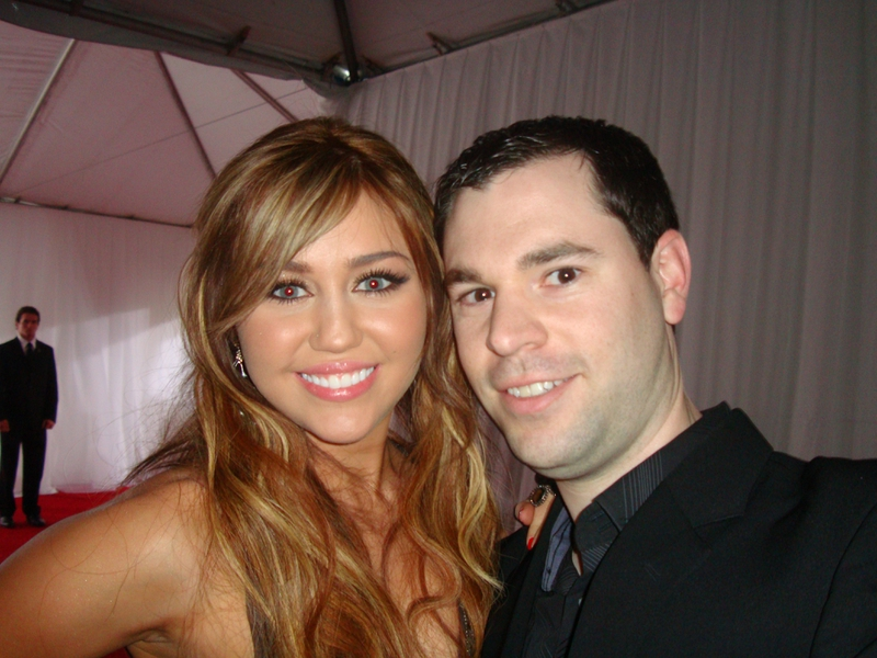 Miley Cyrus Photo with RACC Autograph Collector Jeff Stenzel