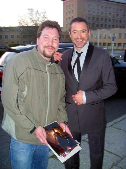 Robert Downey Jr. Photo with Authentic Autograph Dealer RB-Autogramme Berlin