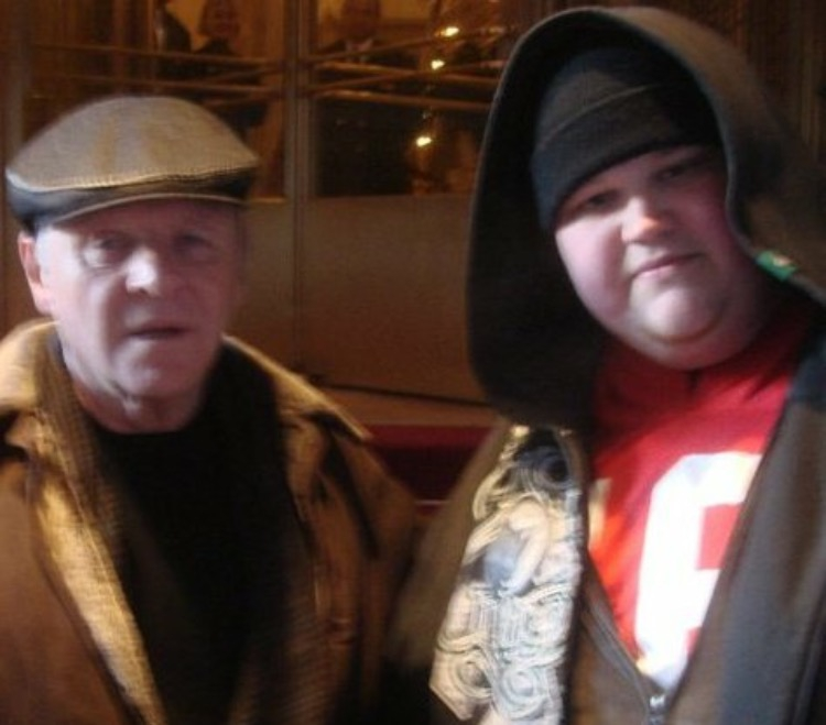 Anthony Hopkins Photo with Authentic Autograph Dealer Piece Of History Collectibles