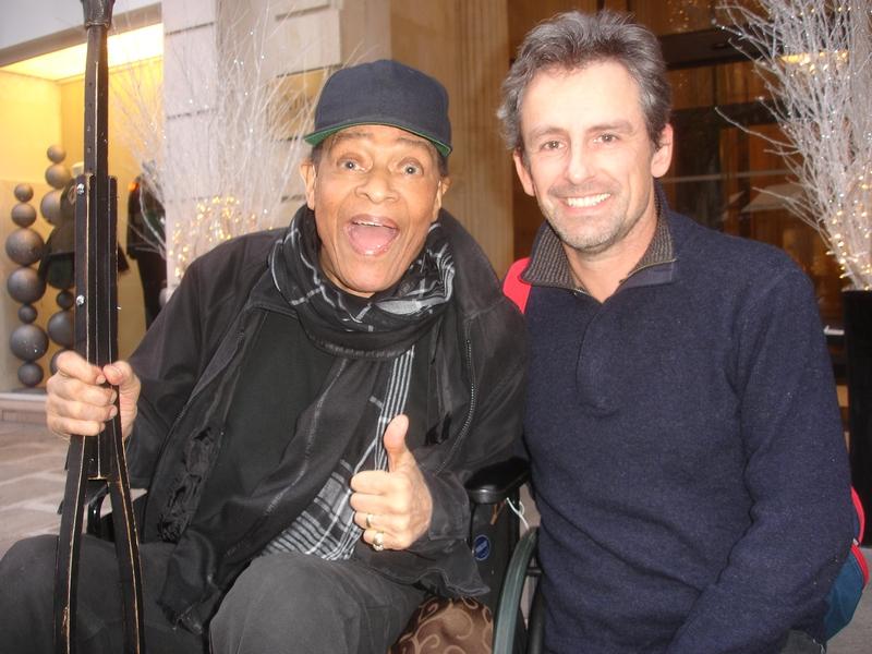 Al Jarreau Photo with RACC Autograph Collector CB Autographs