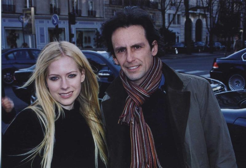 Avril Lavigne Photo with Authentic Autograph Dealer CB Autographs