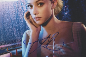 Lili Reinhart Autograph