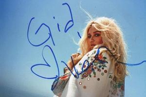 Kesha Autograph