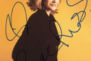 Rene Russo Autograph