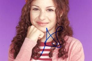Alia Shawkat Autograph