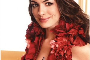 Anne Hathaway Autograph