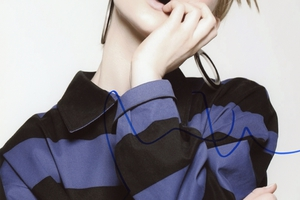 Mia Wasikowska Autograph