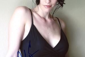 Alana de la Garza Autograph