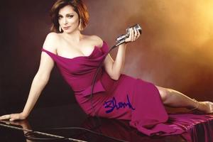 Rachel Bloom Autograph