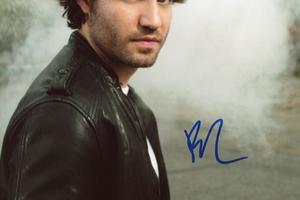 Edgar Ramirez Autograph