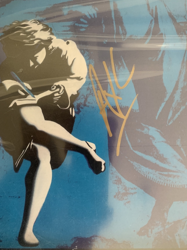 Autograph purchased from RACC Trusted Seller Iffy Clyro
