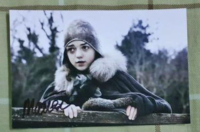 Maisie Williams Autograph by Fanmail TTM