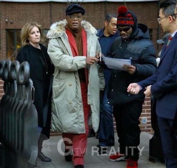 Samuel L. Jackson Photo with Authentic Autograph Dealer GTV Reality
