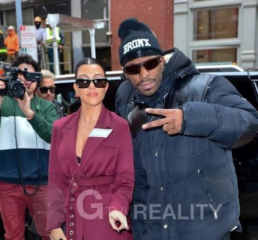 Kourtney Kardashian Photo with Authentic Autograph Dealer GTV Reality